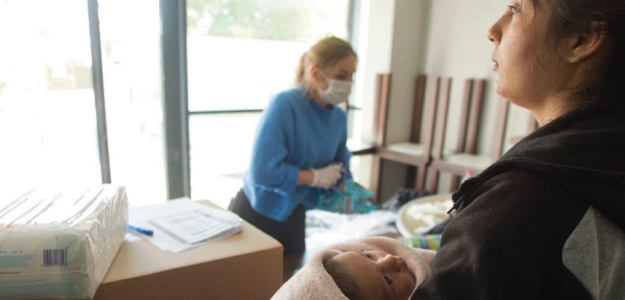 Distribuer 214 kits d'hygiène à des femmes en grande vulnérabilité