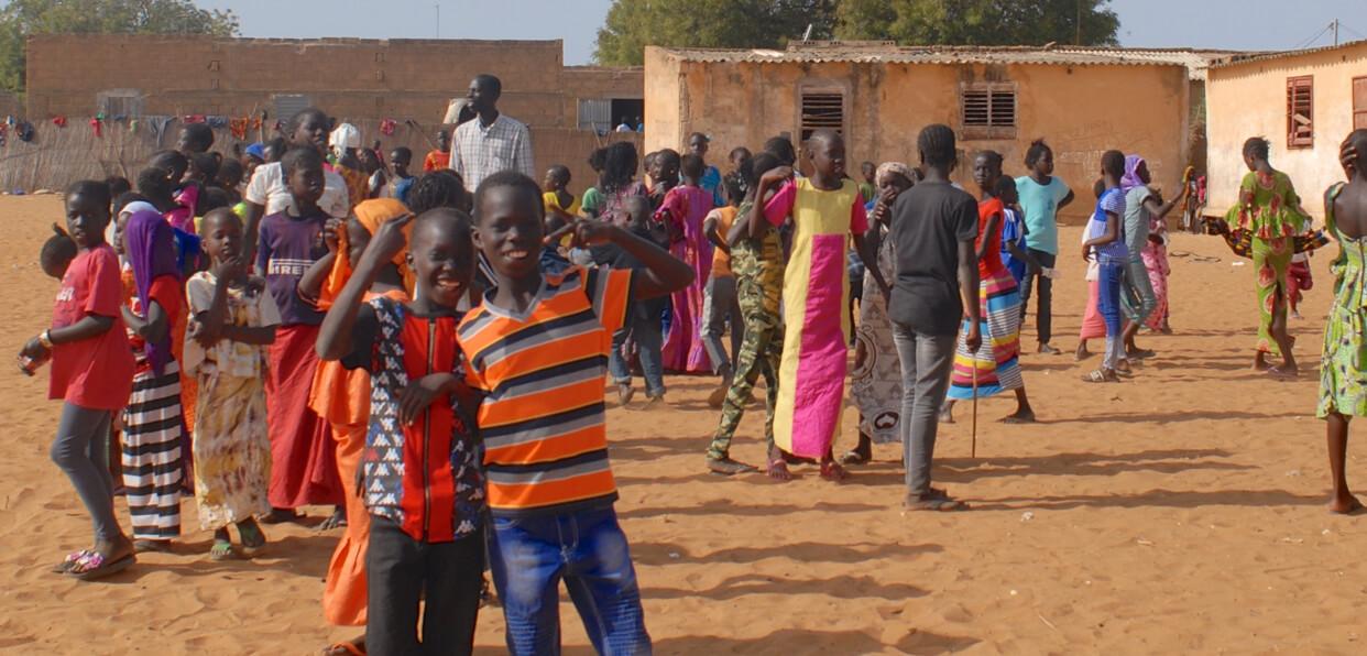 Fournir l'eau potable dans une école du Sénégal